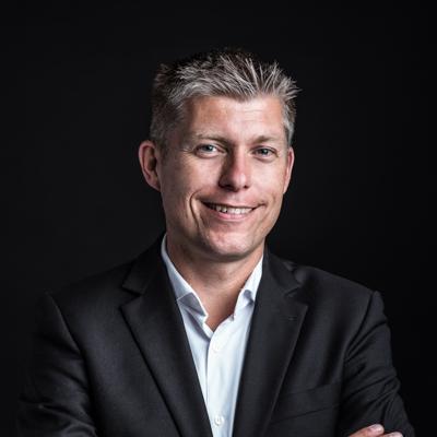 Portret van Joost Leenders en inzetbaar als spreker voor uw evenement